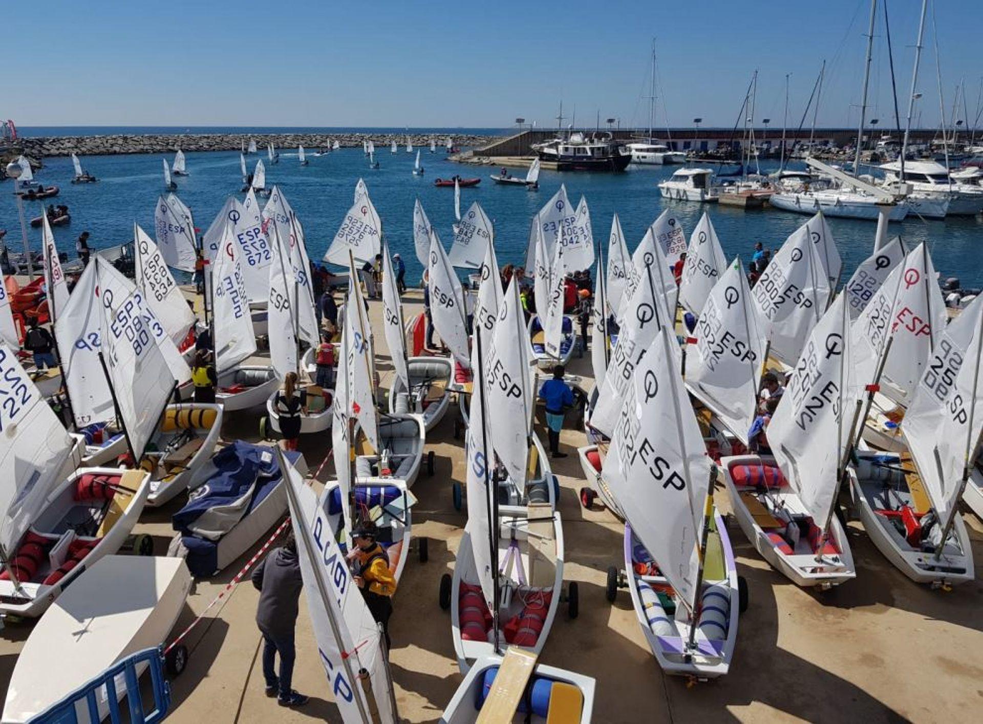Participación de los blandenses Manresa, Piguillem y Gragera en el Campeonato de Cataluña de Optimist.