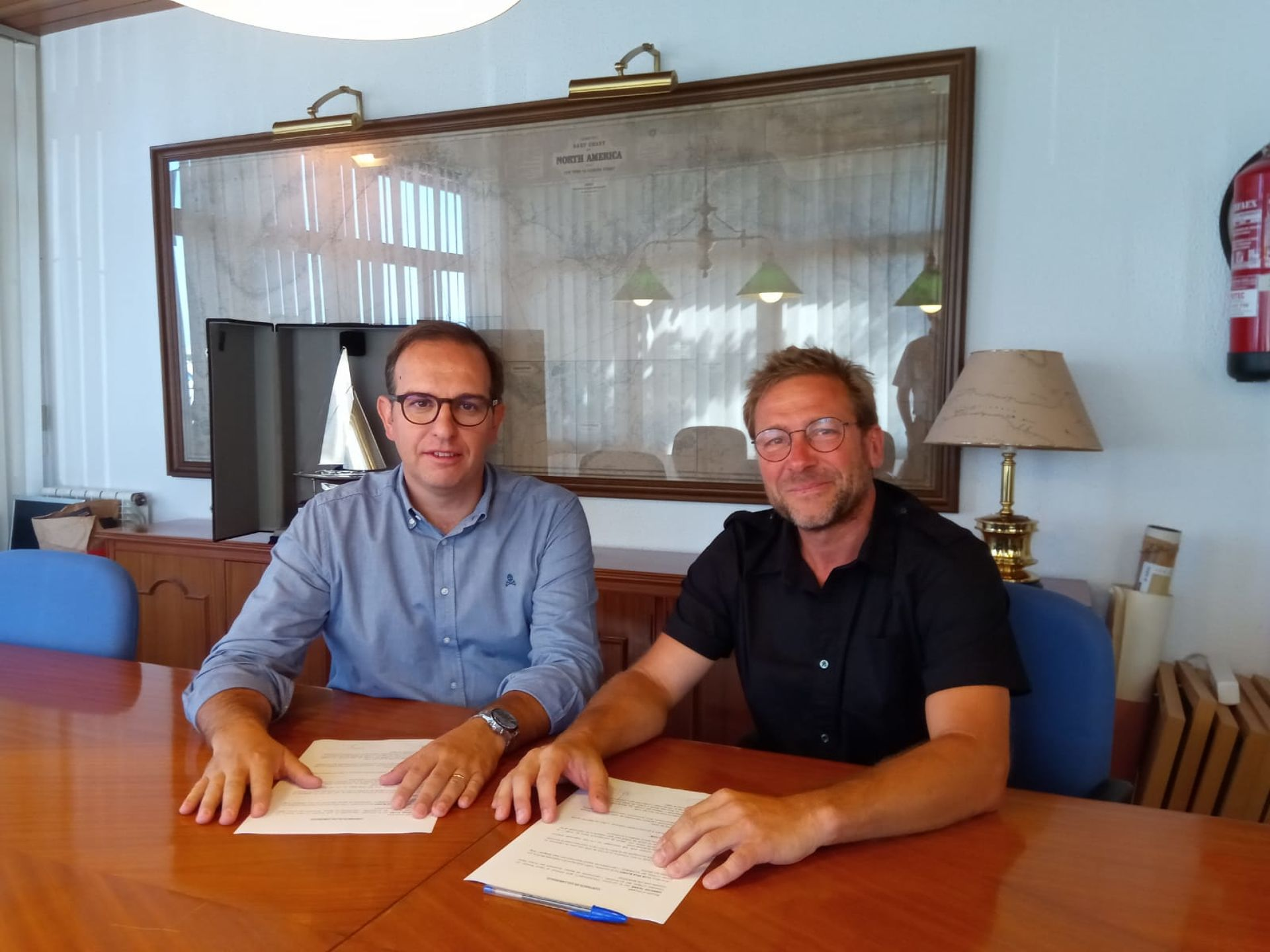The Club Vela Blanes and Garatge Plana - Mercedes Benz renew the agreement for the Club Sailing School.