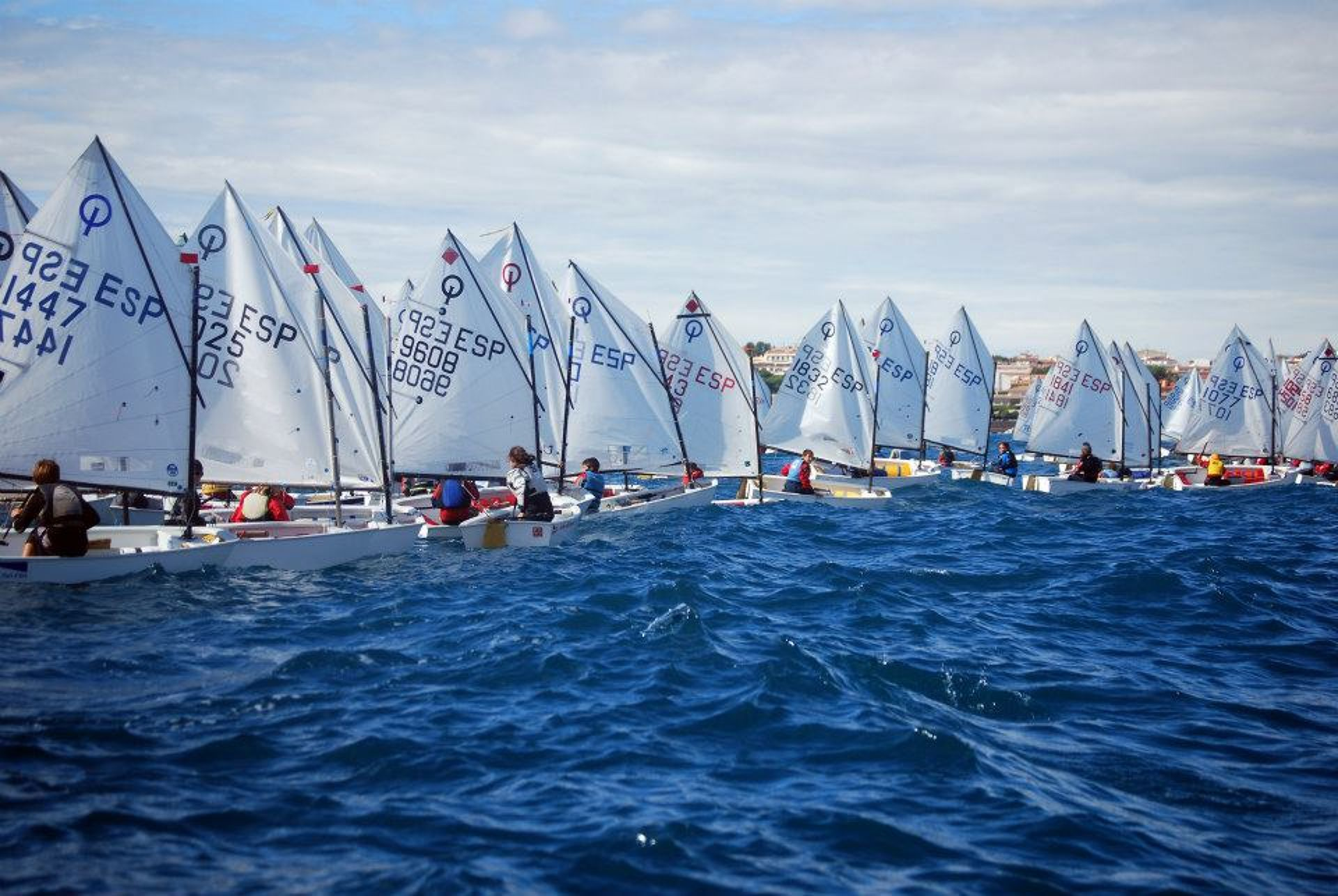 Participació del CVB a la primera regata del Circuit Català Optimist 2014-2015