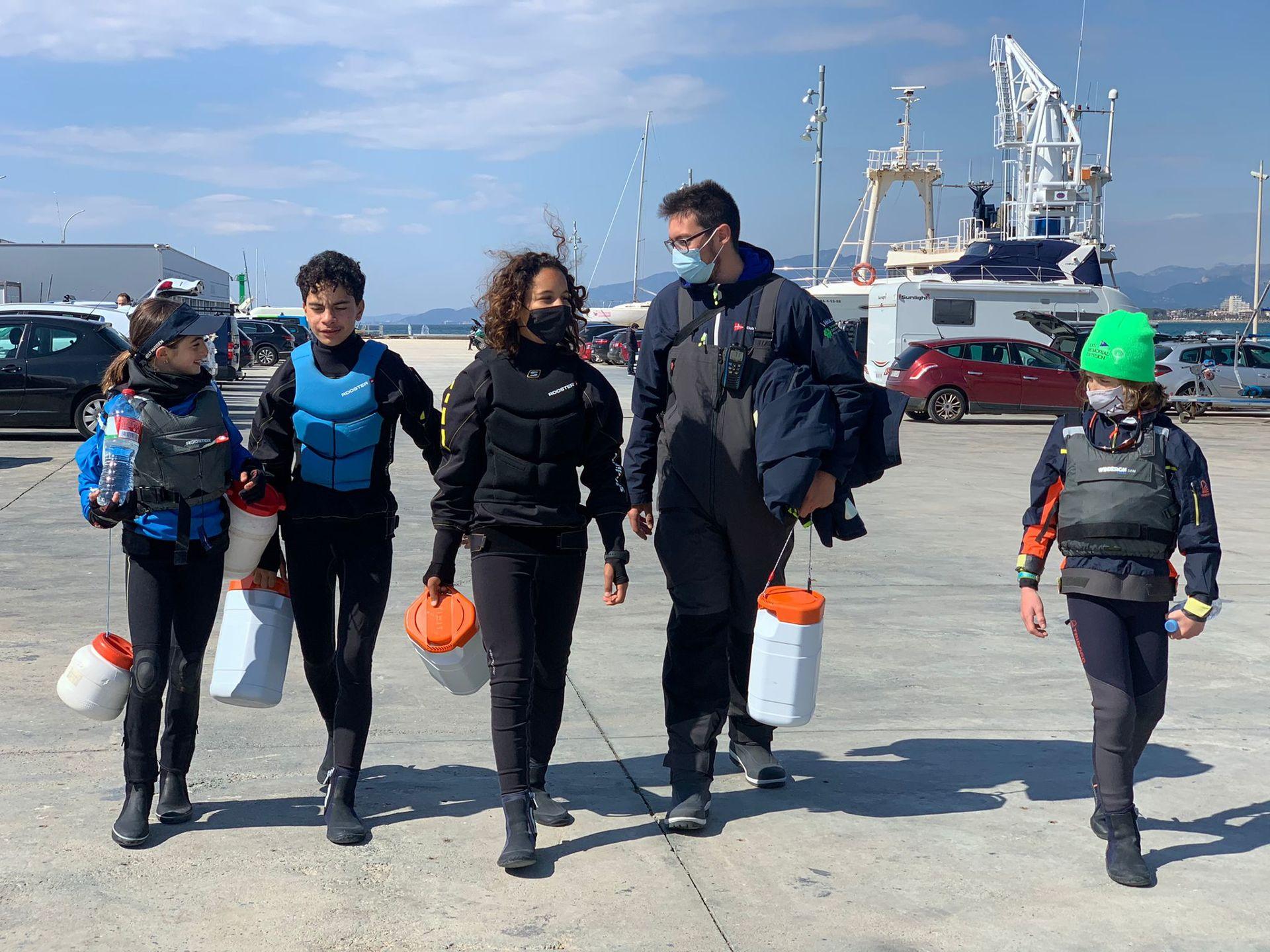 Tessa Aguirre, Ibai Ibarguren, Max Piguillem i els germans Hernàndez participen al Campionat de Catalunya d'Optimist.