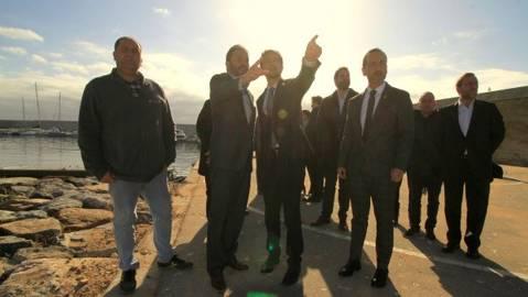 El president del CVB acompanya al conseller de Territori i Sostenibilitat, Damià Calvet, i l'alcalde de Blanes, en la seva visita al Port de Blanes. - 1