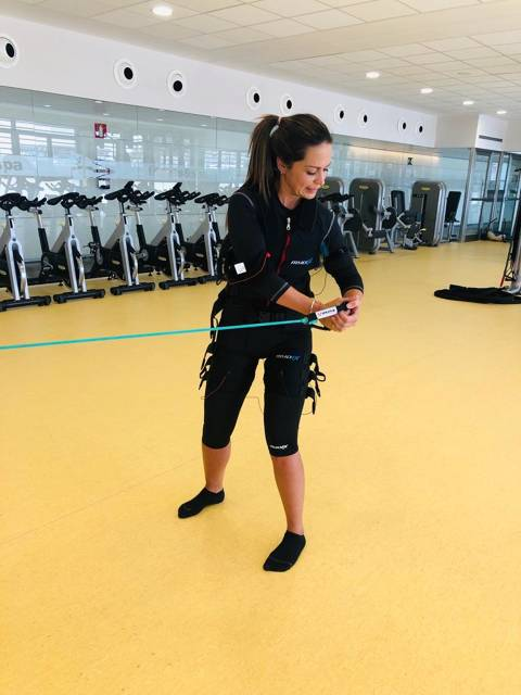 The Fitness & Spa technicians at the Vela Blanes Club participate in the kind of training on electrostimulation - 5