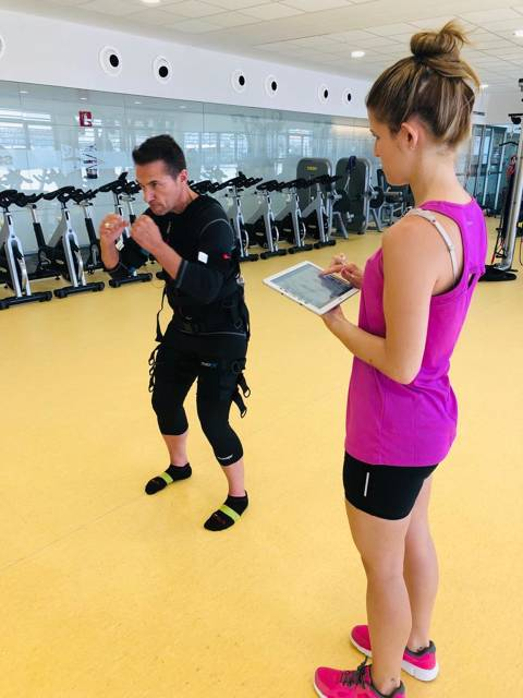 The Fitness & Spa technicians at the Vela Blanes Club participate in the kind of training on electrostimulation - 1
