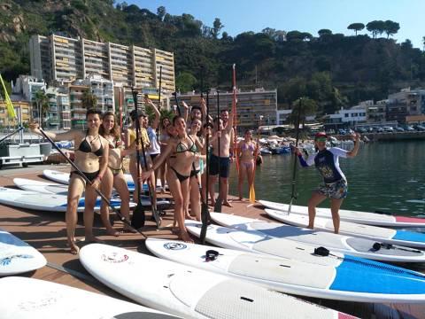 El pack multiactivitat del club vela blanes porta a practicar paddle, caiac i vela a antics expedicionaris de la Ruta Quetzal. - 1