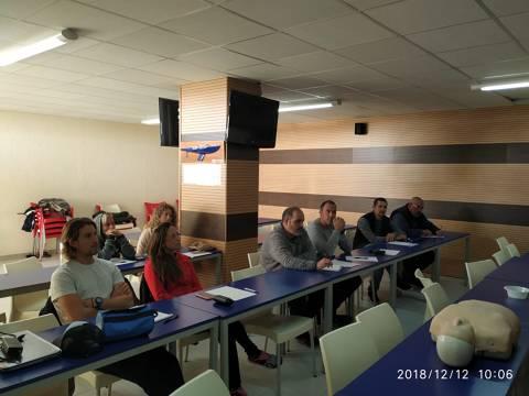 El personal tècnic-esportiu i de marineria del CVB, al dia en primers auxilis (SVD+DEA) - 4