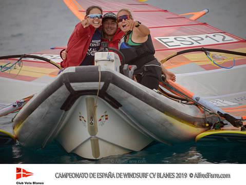 Tret de sortida del Campionat d'Espanya de Windsurf a Blanes amb proves per a totes les classes. - 5