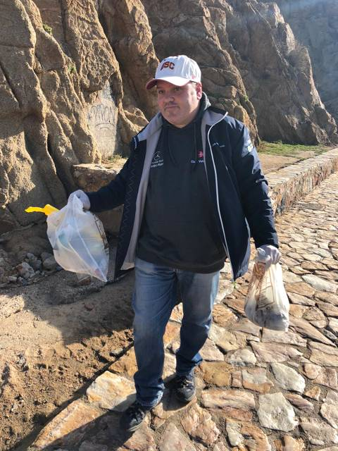 El Club Vela Blanes es suma a la iniciativa del Departament de Medi Ambient de l'Ajuntament per la neteja popular de la platja. - 1