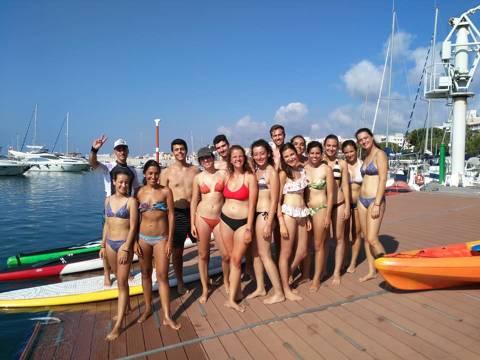 El pack multiactivitat del club vela blanes porta a practicar paddle, caiac i vela a antics expedicionaris de la Ruta Quetzal. - 2