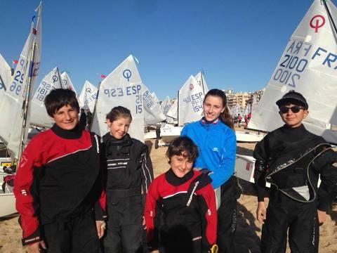 Martina, Emma, Dani, Guillem i Aleix entre els més de 500 regatistes participants al XVII Trofeu Vila de Palamós 11Th Trophy Nations Cup.