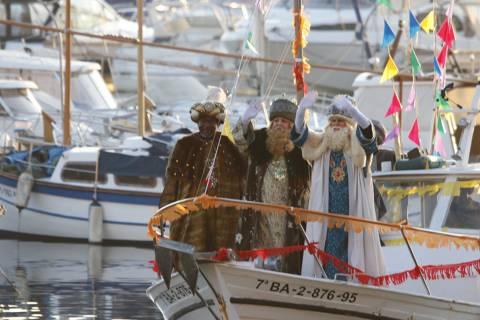 Els Reis d'Orient arriben a Blanes en el vaixell del Club de Vela - 1