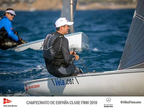 El regatista catalán Carlos Ordóñez (Club Vela Blanes), lidera provisionalmente la clasificación del Campeonato de España.