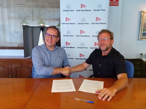 The Club Vela Blanes and Garatge Plana - Mercedes Benz renew the agreement for the Club Sailing School. - 2