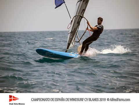Els germans Manchón protagonistes del Campionat d'España de windsurf a Blanes. Curro es proclama campió d'España en Raceboard i Blanca domina de principi a fi el RS:X Femení. - 3